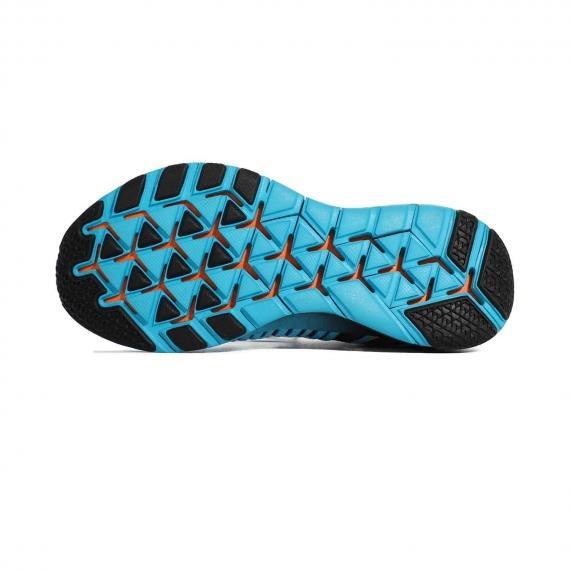 زیره باکیفیت کتانی فیتنس نایک با ساختار تکه تکه و شیاردار برای جلوگیری از لیز خوردن و کاهش فشار بر پا