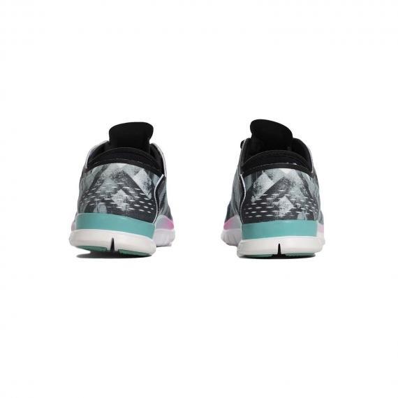 خرید انواع کفش و کتونی اورجینال برند نایک