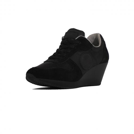 کفش راحتی طبی زنانه مشکی با لژ سیاه مناسب برای پیاده روی و استفاده روزمره از نمای 3رخ جلو پا چپ