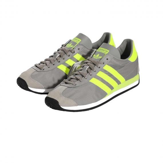 خرید کفش اورجینال کانتری ادیداس شیک و کلاسیک مردانه و زنانه مخصوص باشگاه و پیاده روی از نمای 3رخ کتانی جفت شده کنار هم