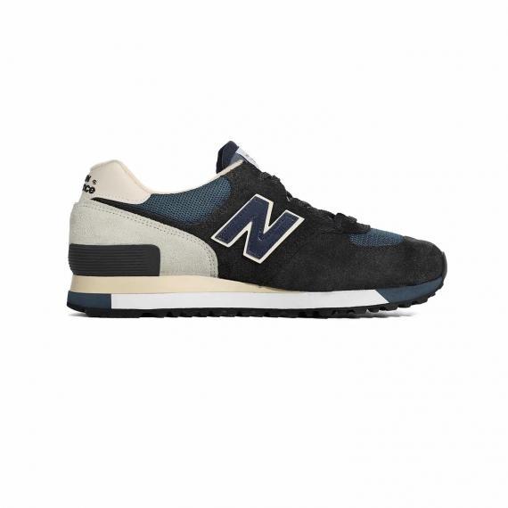 کفش مردانه و پسرانه نیو بالانس ورزشی بسیار نرم و راحت از نمای داخل پای چپ از بغل