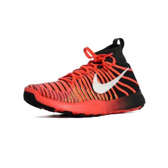 کفش مخصوص فیتنس و بدنسازی مردانه بسیار مقاوم با جذب فشار و ضربات برای محافظت از پا از نمای 3 رخ پای چپ از جلو
