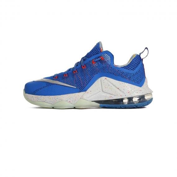 قیمت کفش پسرانه و دخترانه مخصوص بسکتبال نایک لبرون اصل Nike