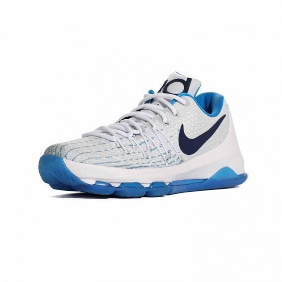 کتانی بسکتبالی نایک اورجینال آبی و سفید و زیره مقاوم لاستیکی آبی همراه با فناوری فلای وایر سفید بر رویه از نمای 3 رخ جلوی پای چپ