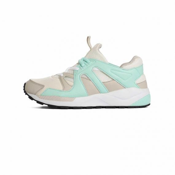 کفش پیاده روی زنانه سفید و سبز پونی BX344KK با زیره طبی و راحت از نمای بیرون پا چپ از بغل