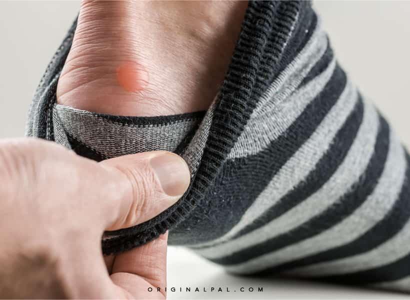 جوراب مناسب برای رفع گرمای کف پا