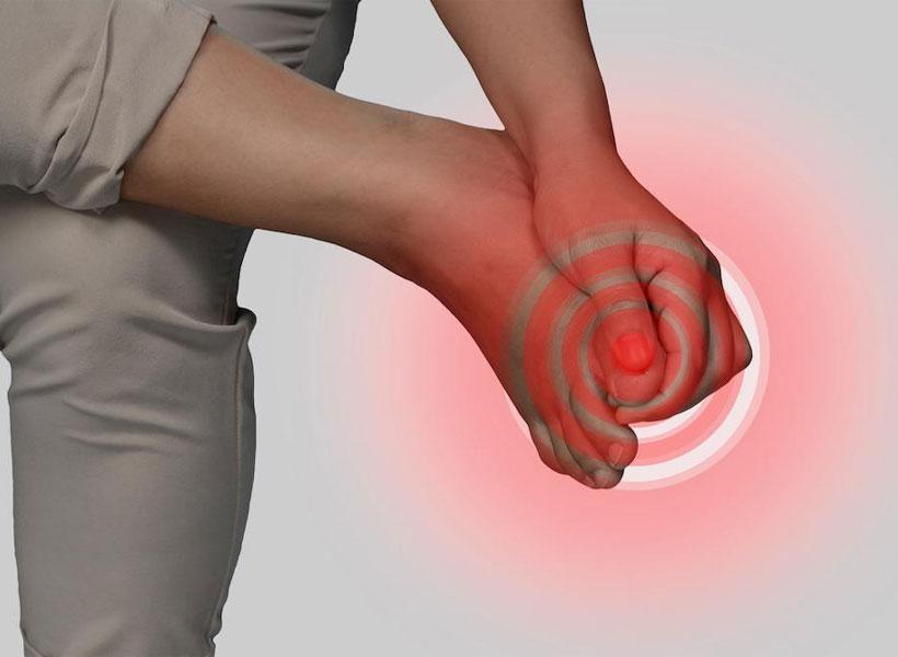 علت درد در انگشتان پا چیست؟