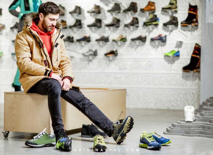 کفش راحت و مناسب برای جلوگیری از تغییر شکل انگشتان پا