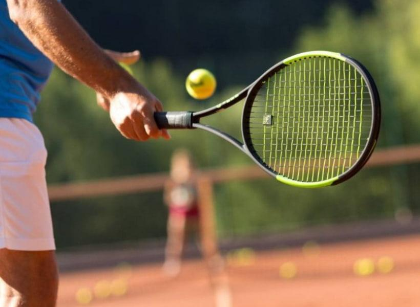 آشنایی با ورزش تنیس و کفش مخصوص آن