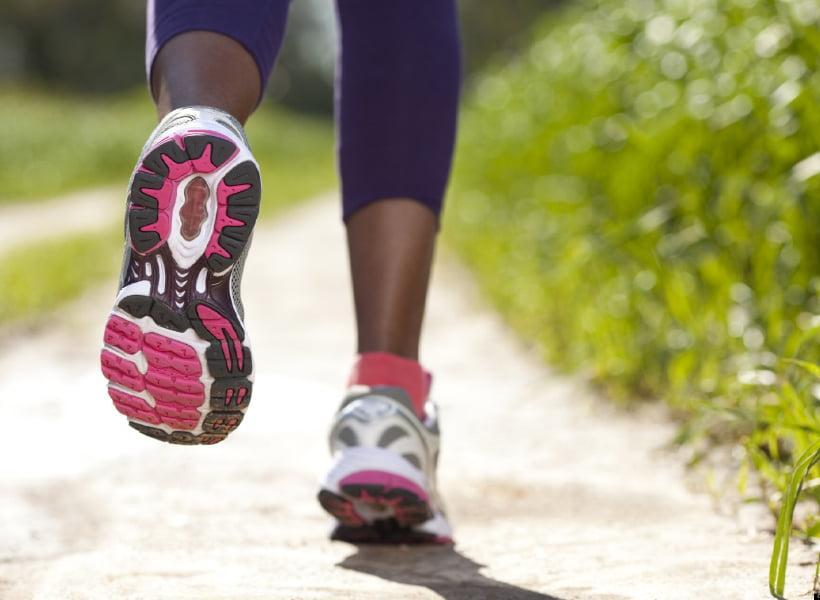 کفش رانینگ و کفش تنیس چه تفاوت هایی دارند؟